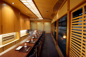 Tempura Bar (with chairs): Up to 16 guests